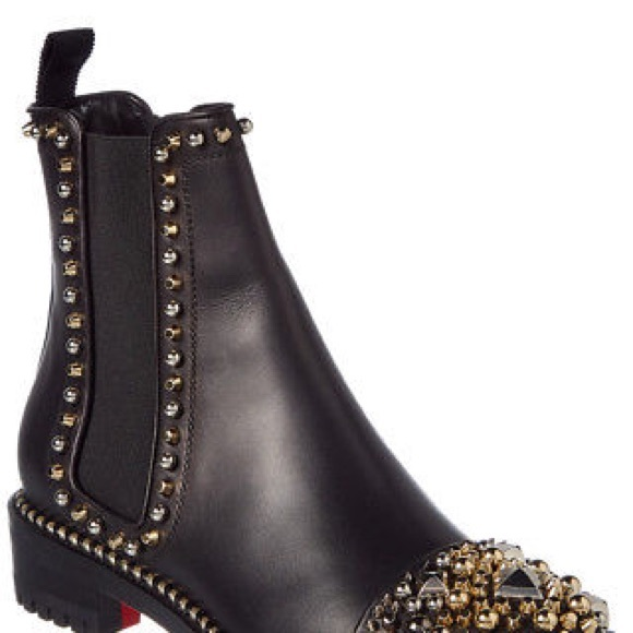 1d204be3f661 christian louboutin chasse a clou 8.5
